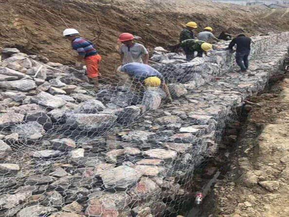 防洪格宾网石笼网施工