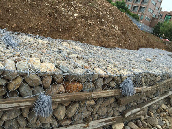 宾格石笼网,护脚宾格石笼网