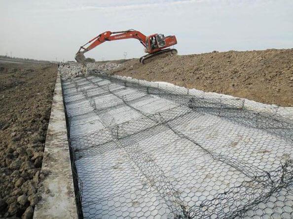 护坡雷诺护垫施工
