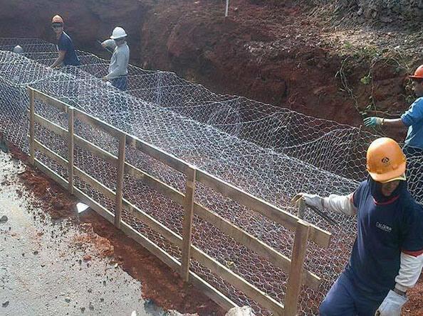 格宾石笼网规格
